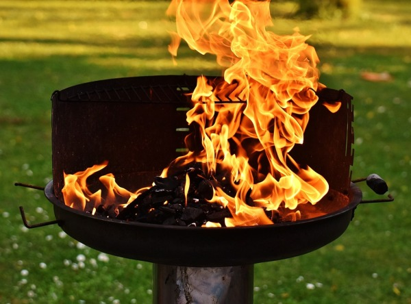 Barbecue Flammes Danger